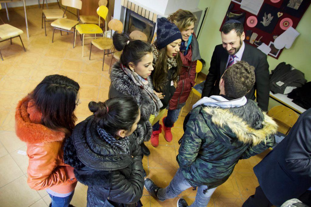 Rabín, kňaz aimám cestujú po slovenských školách ahovoria so žiakmi otolerancii