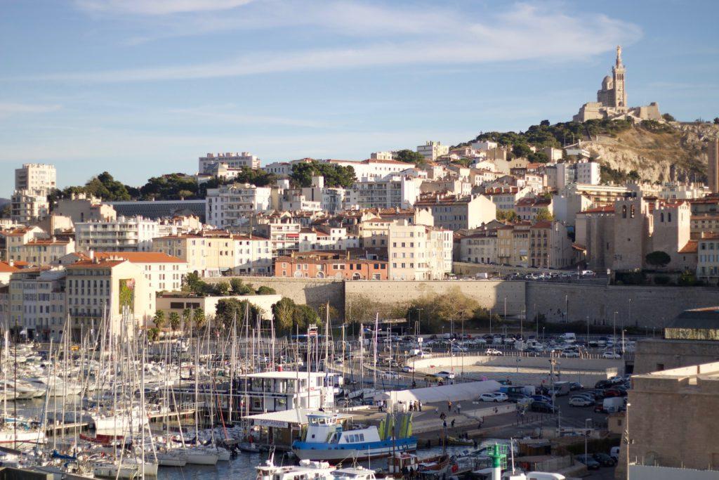 Marseille bolo historicky prvou zastávkou pre milióny migrantov z bývalých francúzskych kolónií