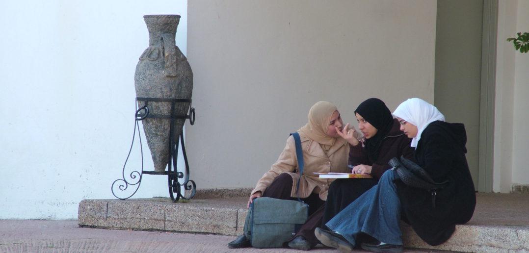 Americkí výskumníci ukázali, ako zákaz hidžábov v Európe zhoršil integráciu muslimiek