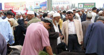 New York Times: Čína zatvára muslimov do internačných táborov. USA zvažuje sankcie