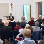 Husitský biskup a muslimský duchovný sa stretnú na katolíckej fare. Výsledok? Skvelá debata!