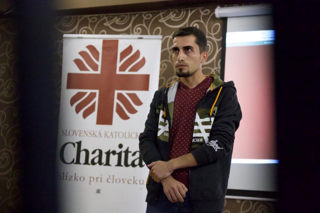 Outečencoch vBratislave diskutovali katolícky biskup, predseda Islamskej nadácie, farár a aktivistka