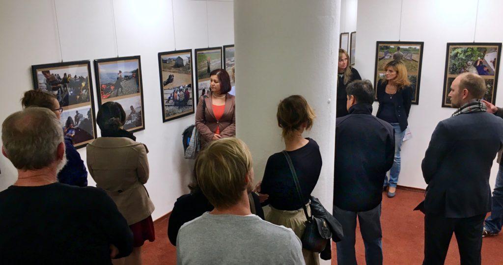Otvorenie výstavy si prišlo pozrieť viacero priateľov a fanúšikov