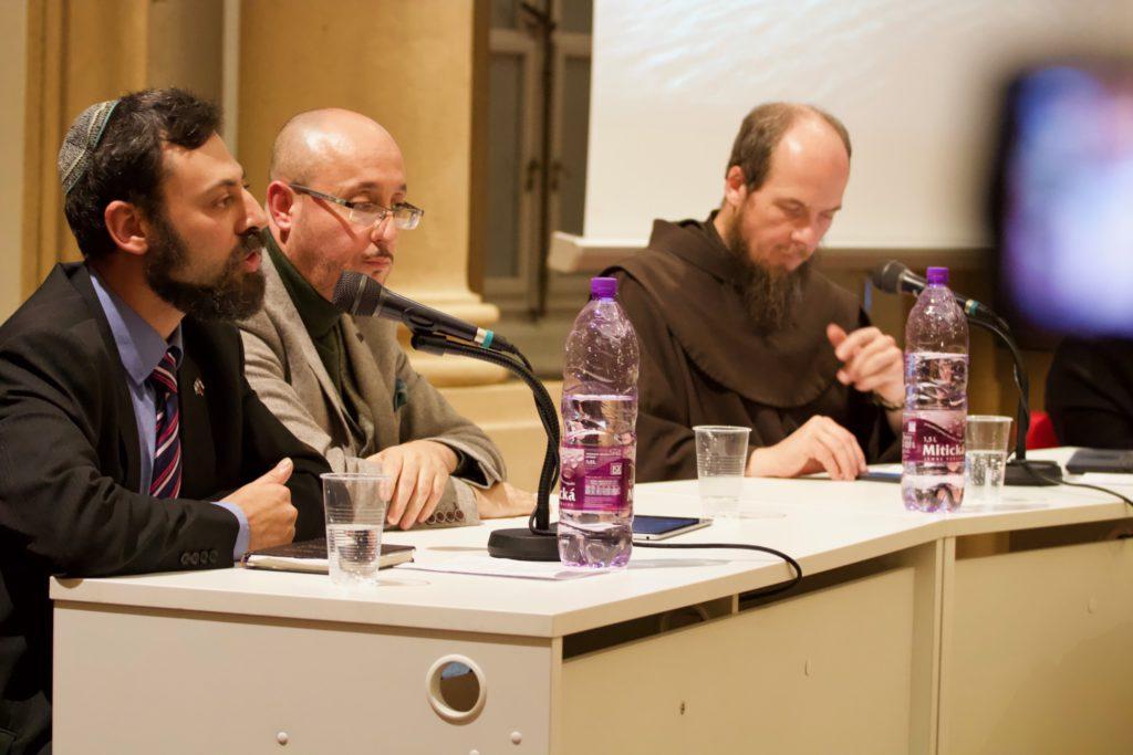 V srdci Bratislavy diskutovali predstavitelia troch abrahámskych náboženstiev