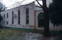 """""""Nešírte islám v ČR! Inak vás zabijeme,"""" napísal niekto na stenu brnenskej mešity. Prípad rieši polícia"""