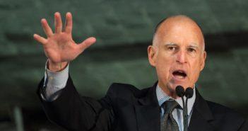 Guvernér Kalifornie Trumpovi: Imigranti sú integrálnou súčasťou toho, čím sme